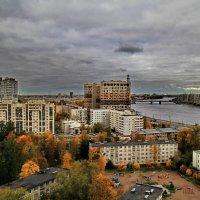 Осень в городе :: Сергей