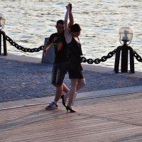 танцы на набережной :: Августа