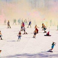 Массовый спуск на лыжах и сноубордах в купальниках :: Марина Кириллова
