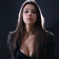 Красивая девушка в студии :: Ирина Авдеева