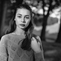 Портрет грустной девушки. :: Евгений Никифоров