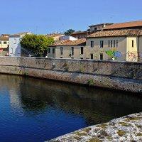 Набережная у старого моста, Римини :: M Marikfoto