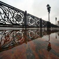 Дождь на Патриаршем :: Михаил Бибичков