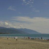 А в Абхазии-то море голубее... :: Светлана Винокурова