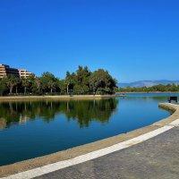 Озеро возле нашего отеля... :: Sergey Gordoff