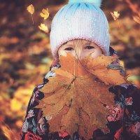 Осень - все цвета светофора в одном лице...) :: Лилия .