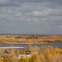 Осень на Волге :: Александр Синдерёв