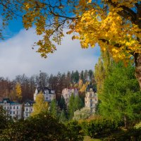 Осень в городе Марианские лазни :: Vasiliy V. Rechevskiy