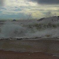 Море - это душа человека, также волнуется, также переживает и способно на шторм... :: Вадим Якушев