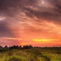 Закат после грозы :: Александр Синдерёв