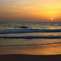 Море — это другая вселенная в ней правит тишина и покой... :: Вадим Якушев