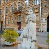 Памятник дворнику в Санкт-Петербурге :: Galina Belugina