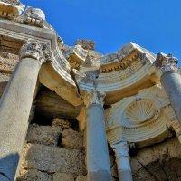 Здесь Древним Римом пахнет... :: Sergey Gordoff