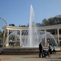 Фонтан на Курортном проспекте в Кисловодске :: Нина Бутко