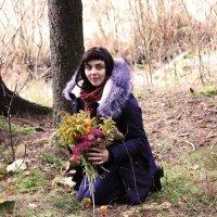 Прекрасная девица собирает букет :: Виктория Левина