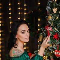 Девушка в зеленом платье :: Елена Федорова