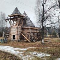 Строящийся храм в п.Озёрный (п.Москвотоп до 1948 года) :: Николай Варламов