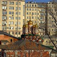 Дом на набережной... :: Михаил Рогожин
