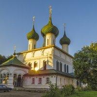Беседа у храма :: Сергей Цветков