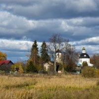 Пейзаж с видом на церковь. :: Oleg S