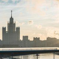 Нежный свет Московского утра :: Александр Руцкой