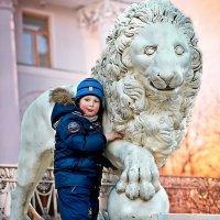 Мальчик со львом :: Георгий Вересов