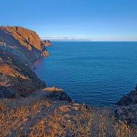Восточный берег Ольхона :: Анатолий Иргл