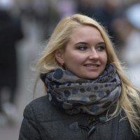 Улыбающаяся (5) :: Александр Степовой
