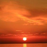 Улыбка на закате :: valeriy khlopunov