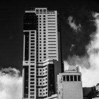 небоскреб в облаках - архитектура пост модернизма :: Сергей Кудряшов