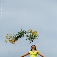 Таня-девушка в желтом платье :: Вячеслав Шах-Гусейнов