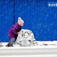 Какой же будет снеговик! :: Геннадий Ячменев
