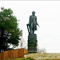 Памятник великому русскому художнику И.И.Шишкину :: Надежда