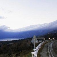 Горы укрылись пуховым одеялом :: Геннадий Б