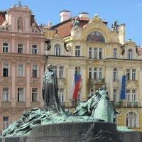 Староместская площадь. Памятник Яну Гусу :: Елена Павлова (Смолова)