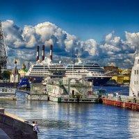 Питер вид с Английской набережной :: Юрий Плеханов