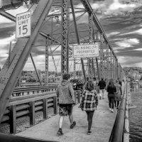 Мост между Пенсильванией и Нью-Джеоси :: Олег Чемоданов