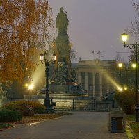 Осенний рассвет с Екатериной II :: Игорь Хижняк