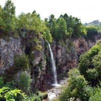Медовый водопад :: Роман Небоян