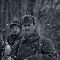 солдат в буденовке :: Виктор Перякин
