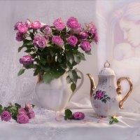 Негромкий праздник наших милых мам... :: Валентина Колова