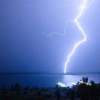 Изогнутая молния :: Павел Сытилин