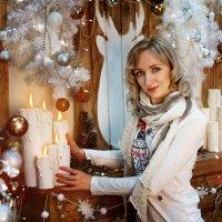 Девушка и свечи :: Ирина Клейменова