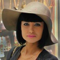 Шляпка. :: Александр Бабаев