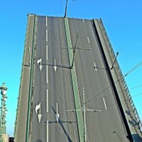 Разводка моста на Неве. :: Виктор Егорович