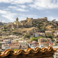 Вид на крепость Нарикала с крыши храма Метехи... :: Cергей Павлович
