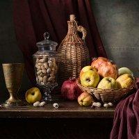 С фруктами и арахисом :: Татьяна Карачкова