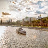 В городе лето :: Игорь .