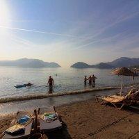 Утро на пляже :: Михаил Кашанин