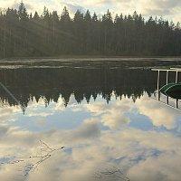 Плывут облака по воде..... :: Валентина Жукова